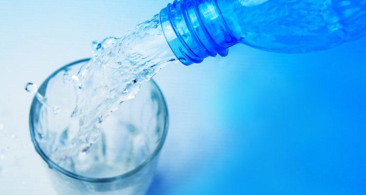 beneficii apa alcalina